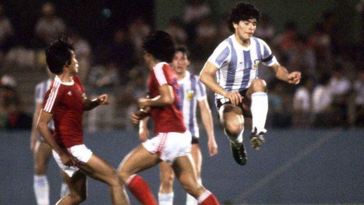 """Trước khi qua đời, Maradona đột nhiên nhớ lại lần """"xé lưới"""" một đội tuyển ở… Đông Nam Á - Ảnh 1."""