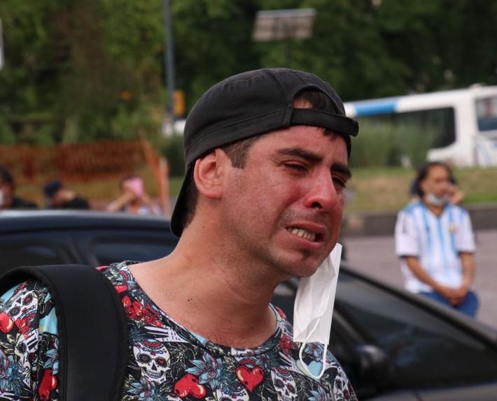 Đất nước Argentina chìm trong biển nước mắt tiếc thương Maradona - Ảnh 6.