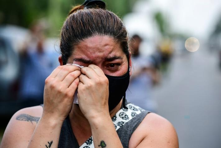 Đất nước Argentina chìm trong biển nước mắt tiếc thương Maradona - Ảnh 8.