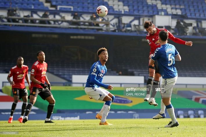 Solskjaer trảm Pogba, Man United lập tức hồi sinh với thắng lợi bất ngờ - Ảnh 2.
