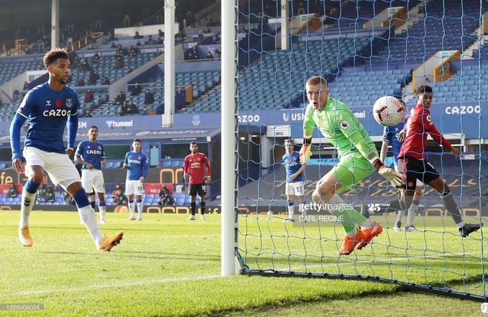 Solskjaer trảm Pogba, Man United lập tức hồi sinh với thắng lợi bất ngờ - Ảnh 3.