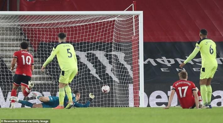 Dẫn đầu Premier League, Southampton lập kỳ tích 32 năm - Ảnh 4.