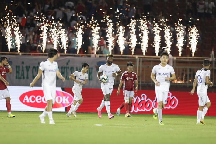 V.League xứng lửa thử vàng, đã đến lúc HLV Park Hang-seo phải khó xử với bầu Đức rồi - Ảnh 4.
