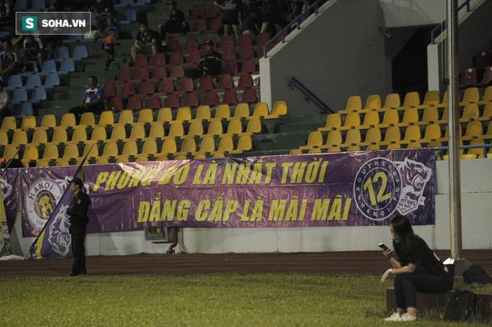 Câu nói của bầu Hiển, giọt nước mắt cay đắng từ CĐV & giá trị trong thất bại của Hà Nội FC - Ảnh 3.