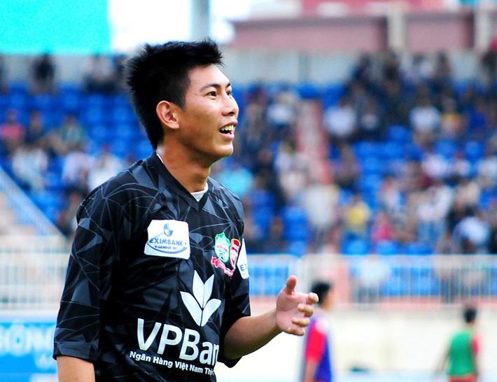 Món nợ với bầu Đức & góc khuất sau tấm vé lên ĐT Việt Nam của nhà vô địch AFF Cup - Ảnh 2.