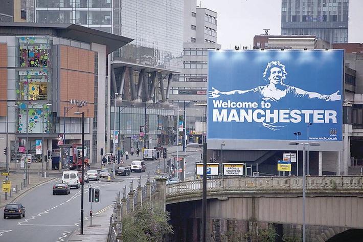 Trận Derby Manchester 183: Sự đổi vai đáng kinh ngạc giữa MU và Man City - Ảnh 1.
