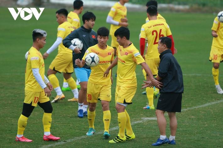 Thầy Park liên tục ôm hận trước kỹ thuật của dàn tuyển thủ Việt Nam - Ảnh 2.