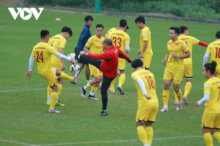 Thầy Park liên tục ôm hận trước kỹ thuật của dàn tuyển thủ Việt Nam - Ảnh 3.