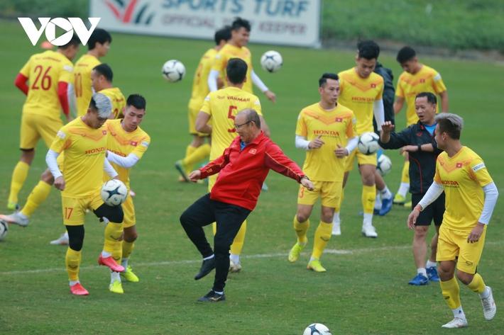 Thầy Park liên tục ôm hận trước kỹ thuật của dàn tuyển thủ Việt Nam - Ảnh 5.