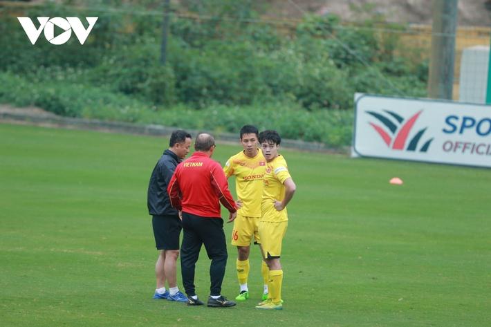 Thầy Park liên tục ôm hận trước kỹ thuật của dàn tuyển thủ Việt Nam - Ảnh 7.