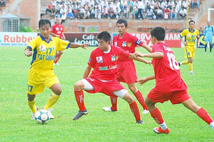 Vì sao Lee Nguyễn rời HAGL thời HLV Kiatisuk dù được bầu Đức bảo vệ? - Ảnh 1.