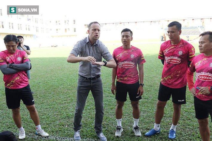 Tân HLV trưởng CLB TP.HCM nói về Lee Nguyễn, muốn vô địch V.League bằng bóng đá đẹp - Ảnh 2.