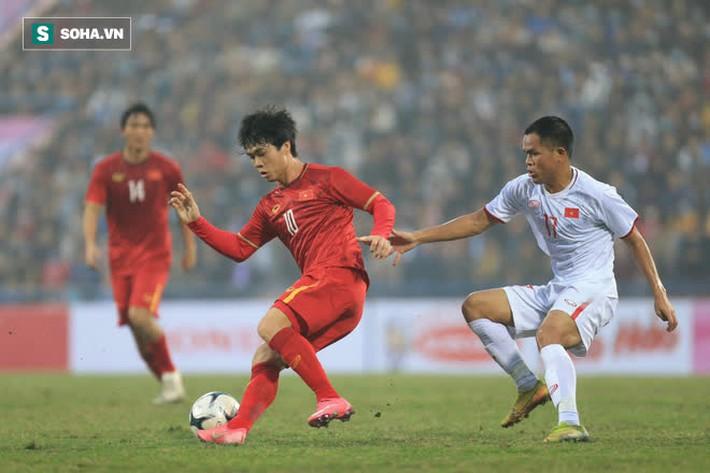 HLV Nguyễn Thành Vinh: Thầy Park khó bằng lòng với hàng thủ ĐTQG và Công Phượng - Ảnh 2.