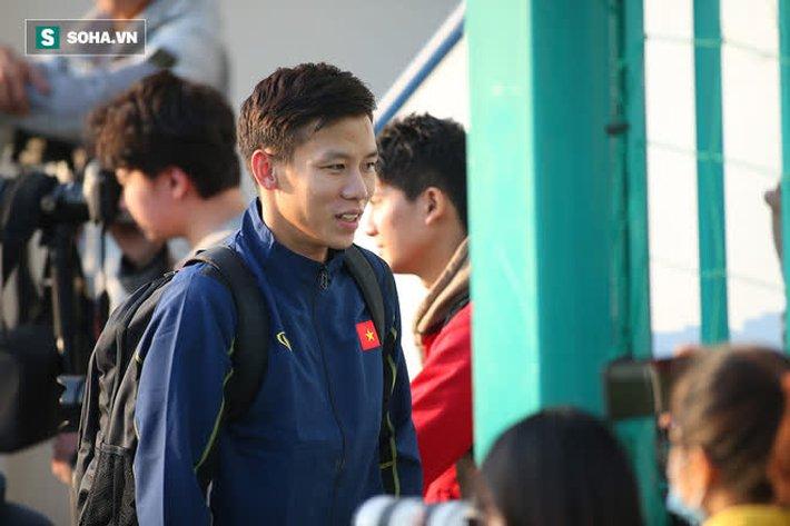 Đặng Văn Lâm sắm vai cò, muốn đưa đội trưởng tuyển Việt Nam sang Thái Lan thi đấu - Ảnh 1.
