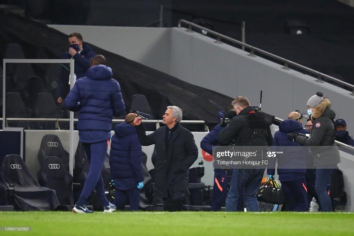 Hạ gục Arsenal bằng song kiếm hợp bích, Mourinho ngạo nghễ đứng đầu Premier League - Ảnh 5.