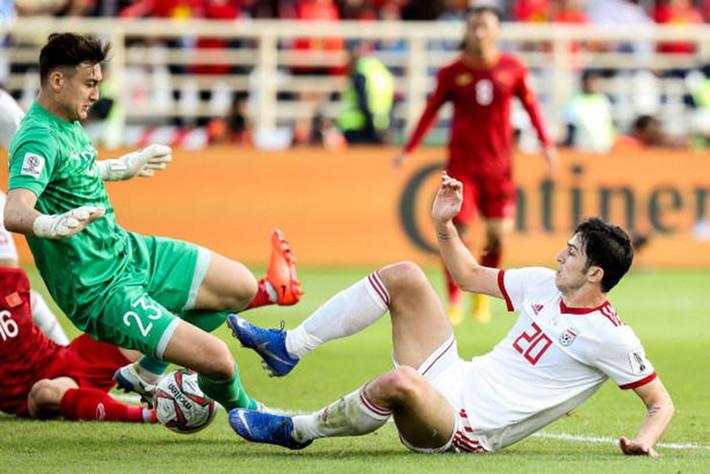Arsenal nhắm mua tiền đạo từng 2 lần phá lưới ĐT Việt Nam - Ảnh 1.