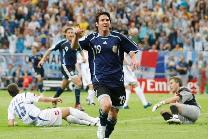 Ngày này năm xưa: Messi ghi bàn đầu tiên ở World Cup - Ảnh 1.