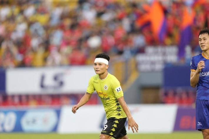 KẾT THÚC Bình Dương 0-2 Hà Nội; Đà Nẵng 3-1 HAGL: SVĐ Gò Đậu liên tục xảy ra xô xát - Ảnh 4.
