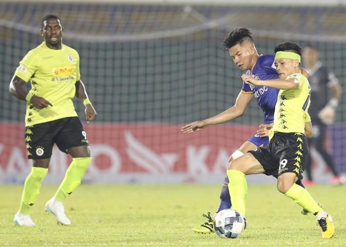 KẾT THÚC Bình Dương 0-2 Hà Nội; Đà Nẵng 3-1 HAGL: SVĐ Gò Đậu liên tục xảy ra xô xát - Ảnh 1.