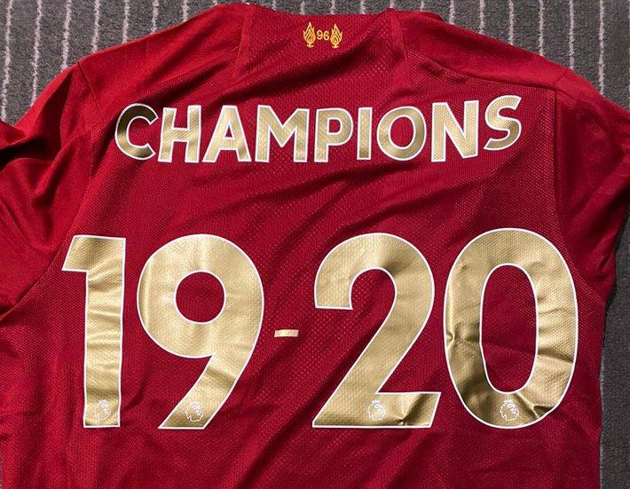 Liverpool chính thức giành chức vô địch Premier League sau 30 năm chờ đợi - Ảnh 5.