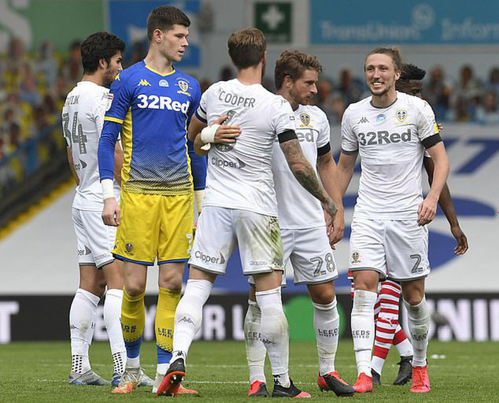 Leeds United thăng hạng, 580 nhân viên được thưởng đậm - Ảnh 8.
