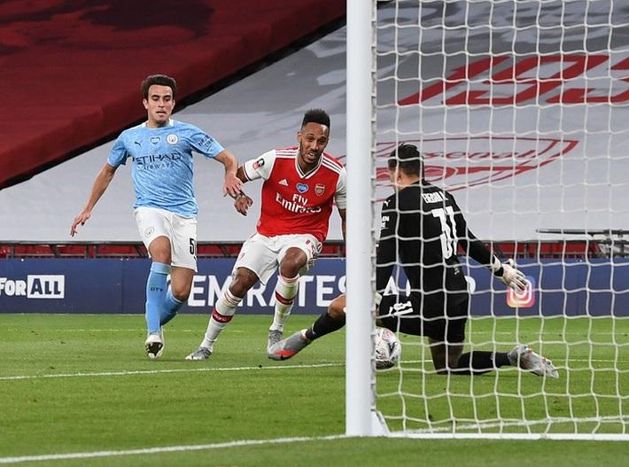 Hạ gục Manchester City để vào chung kết, Arsenal lập nên kỷ lục ở chiếc cúp lâu đời nhất thế giới - Ảnh 6.