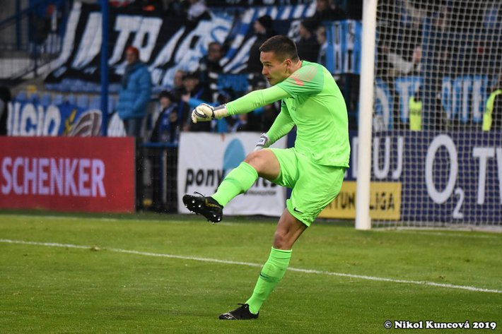 Không cho Filip Nguyễn vào sân, đội bóng Séc thua chung kết vì thủ môn dự bị mắc sai lầm - Ảnh 2.