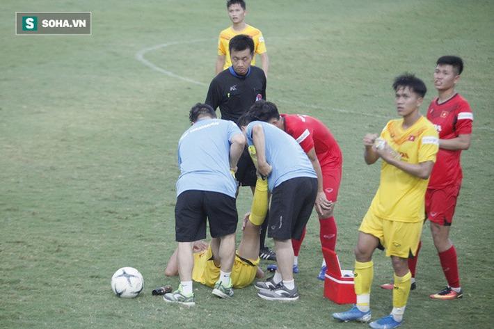 Thầy Park bật cười chua chát trước thảm cảnh U22 Việt Nam đuối sức, đá không nổi 90 phút - Ảnh 3.