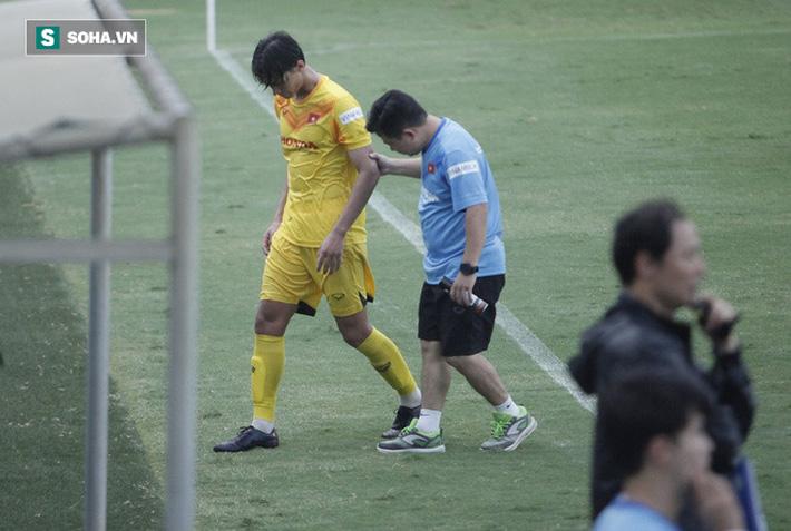 Thầy Park bật cười chua chát trước thảm cảnh U22 Việt Nam đuối sức, đá không nổi 90 phút - Ảnh 4.