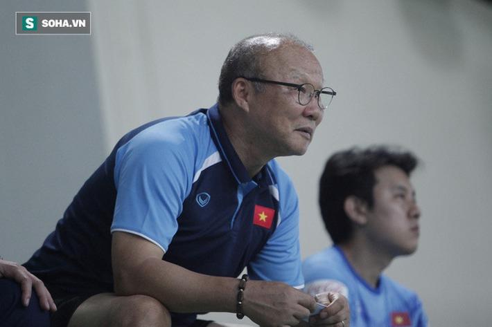 Thầy Park bật cười chua chát trước thảm cảnh U22 Việt Nam đuối sức, đá không nổi 90 phút - Ảnh 10.