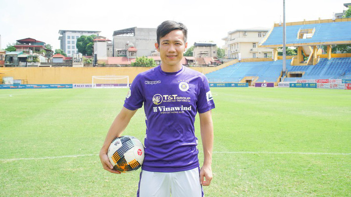 Lê Tấn Tài ra mắt Hà Nội FC, nhận áo số áo quen thuộc ở ĐT Việt Nam - Ảnh 1.