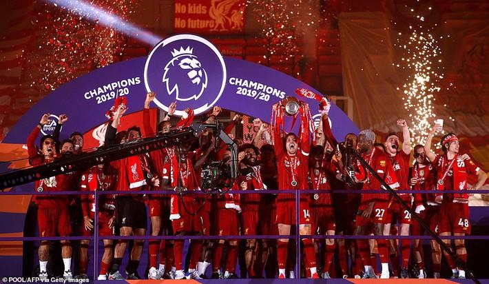Man United mất điểm vẫn lọt vào top 4; Liverpool vùi dập Chelsea trong ngày trọng đại - Ảnh 7.