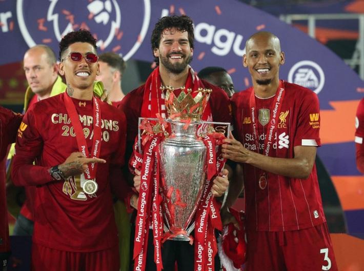 """Sao Liverpool Fabinho bị trộm """"viếng thăm"""" nhà khi nâng cúp vô địch Ngoại hạng Anh - Ảnh 1."""