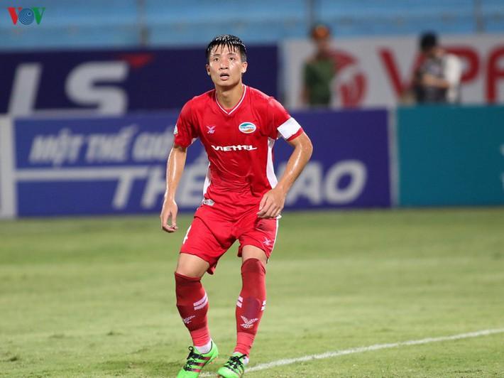 Bùi Tiến Dũng bị treo giò ở trận cầu đinh vòng 12 V-League 2020 - Ảnh 1.