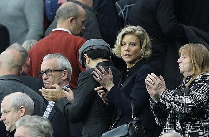 Liverpool phá thương vụ Newcastle và nước mắt người đàn bà quyền lực - Ảnh 1.