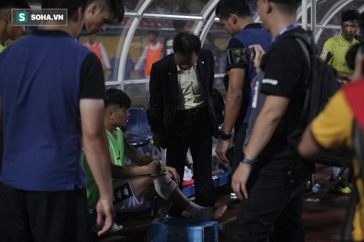 Cha con bầu Hiển gặp riêng BHL Hà Nội FC và trưởng ban trọng tài sau trận hòa tiếc nuối - Ảnh 2.
