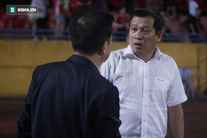 Cha con bầu Hiển gặp riêng BHL Hà Nội FC và trưởng ban trọng tài sau trận hòa tiếc nuối - Ảnh 4.