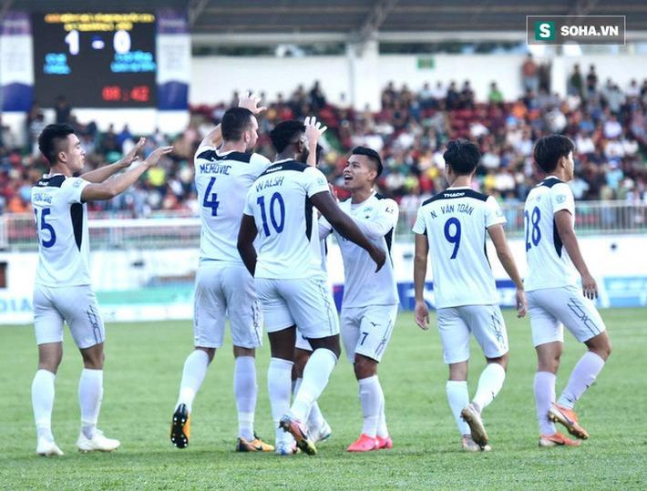 Xuân Trường lập công lớn, hợp cùng Tuấn Anh, Văn Toàn tái hiện chiến thắng kiểu U19 - Ảnh 2.