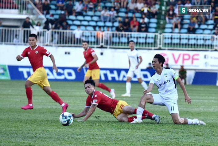 Xuân Trường lập công lớn, hợp cùng Tuấn Anh, Văn Toàn tái hiện chiến thắng kiểu U19 - Ảnh 3.