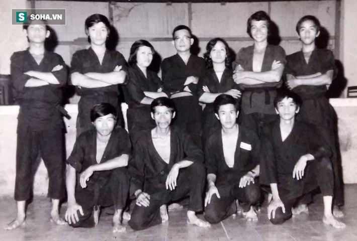 """Đụng nhầm """"sát thủ"""" võ Việt, 6 tên côn đồ bặm trợn ở Sài Gòn bị đánh đến tơi tả - Ảnh 1."""