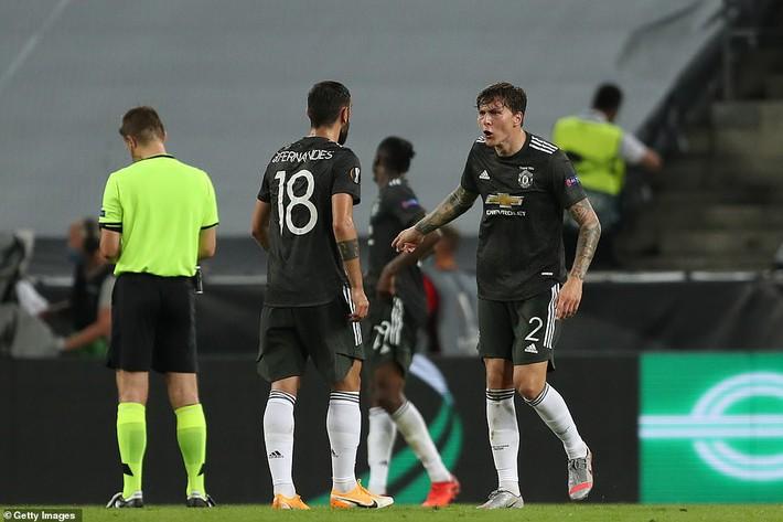 Bruno Fernandes nổi điên với đồng đội, Man United thất bại oan nghiệt trước Sevilla - Ảnh 4.