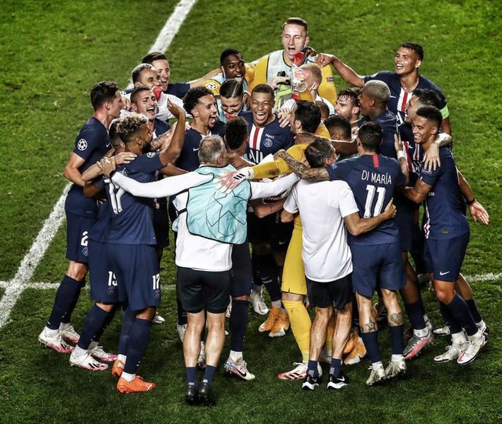 Neymar và đồng đội giúp PSG san bằng kỷ lục ở cúp châu Âu của Real Madrid - Ảnh 1.