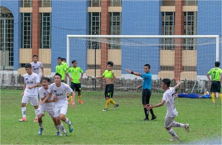 Trong ngày VFF ngưng mọi hoạt động bóng đá, NutiFood JMG giành vé dự VCK giải U17 Quốc gia - Ảnh 1.