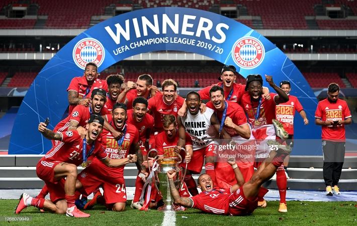 Màn ăn mừng dở khóc dở cười nhưng độc nhất vô nhị của Bayern Munich - Ảnh 4.