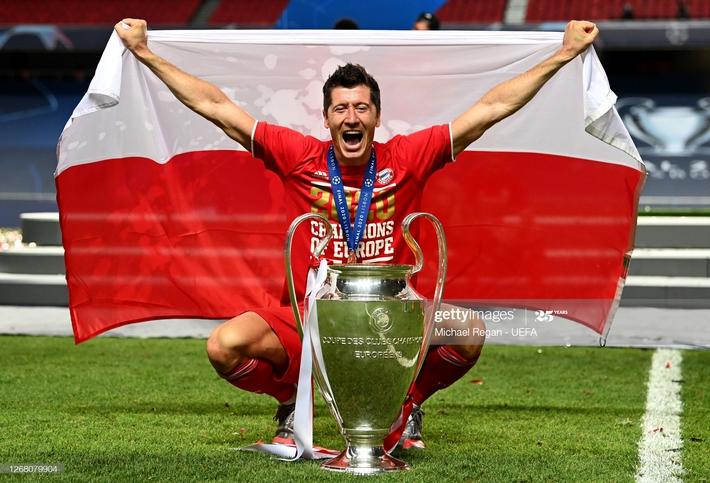 Màn ăn mừng dở khóc dở cười nhưng độc nhất vô nhị của Bayern Munich - Ảnh 8.