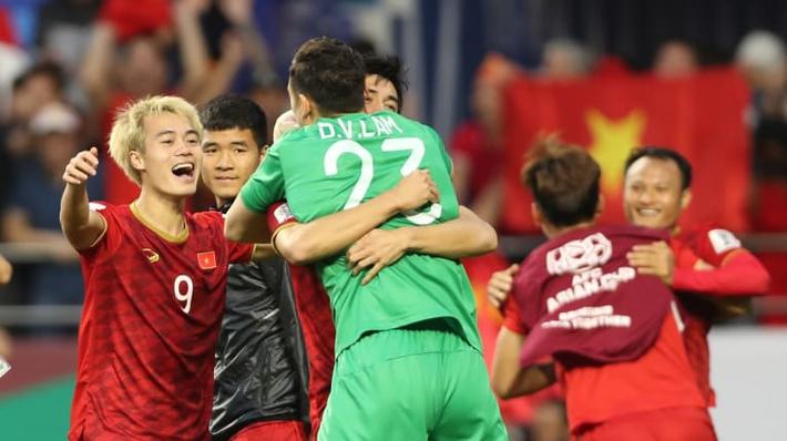 Đặng Văn Lâm: Tôi muốn ĐT Việt Nam sánh bằng Nhật Bản, Hàn Quốc và dự World Cup - Ảnh 2.
