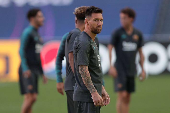 Phũ phàng từ chối hội quân, Messi cương quyết cắt đứt với Barcelona - Ảnh 1.