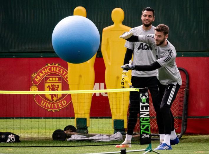 Dàn sao MU trở lại tập luyện hướng tới mục tiêu vô địch Europa League - Ảnh 2.