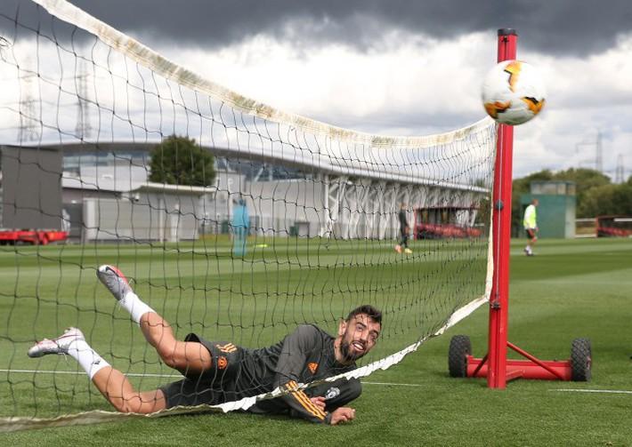 Dàn sao MU trở lại tập luyện hướng tới mục tiêu vô địch Europa League - Ảnh 3.