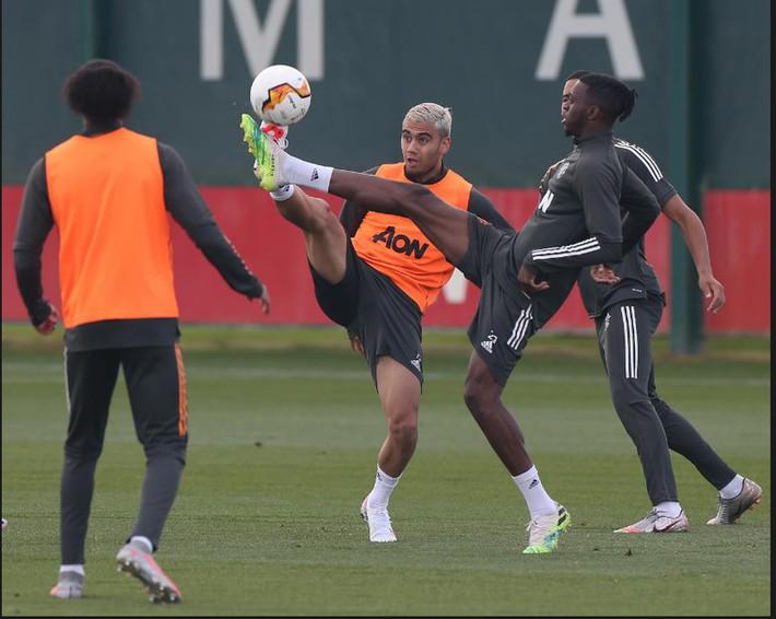 Dàn sao MU trở lại tập luyện hướng tới mục tiêu vô địch Europa League - Ảnh 8.